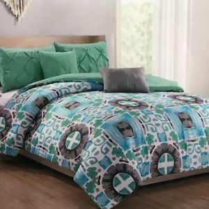 Other - BNWT Queen 5 pieces comforter set